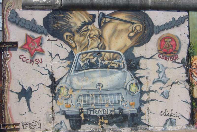 Auto trabant - bacio east side Gallert