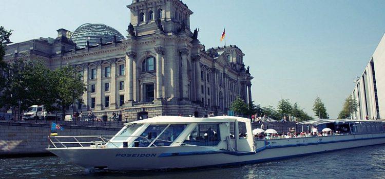 Escursioni in barca a Berlino sul fiume Sprea